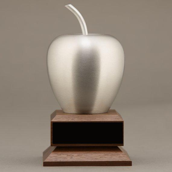 teacher-silver-apple-desk-no-engraving